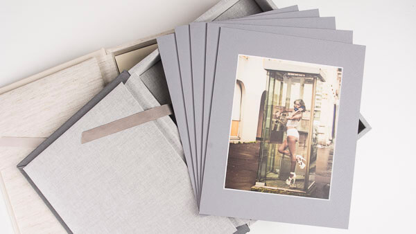 Why Samples Albums are a Must-Have in a Professional Photography Studio
