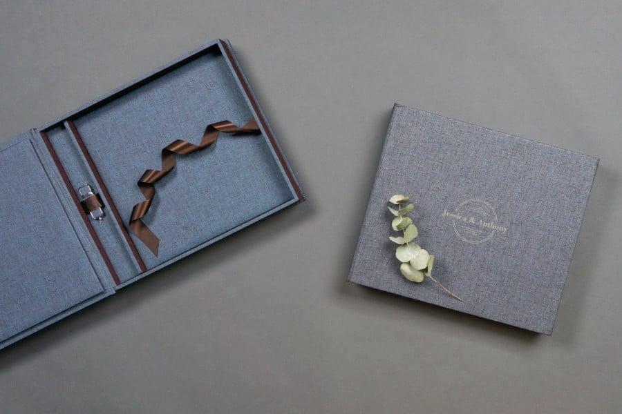 Professional album set and USB with pre-designed cover