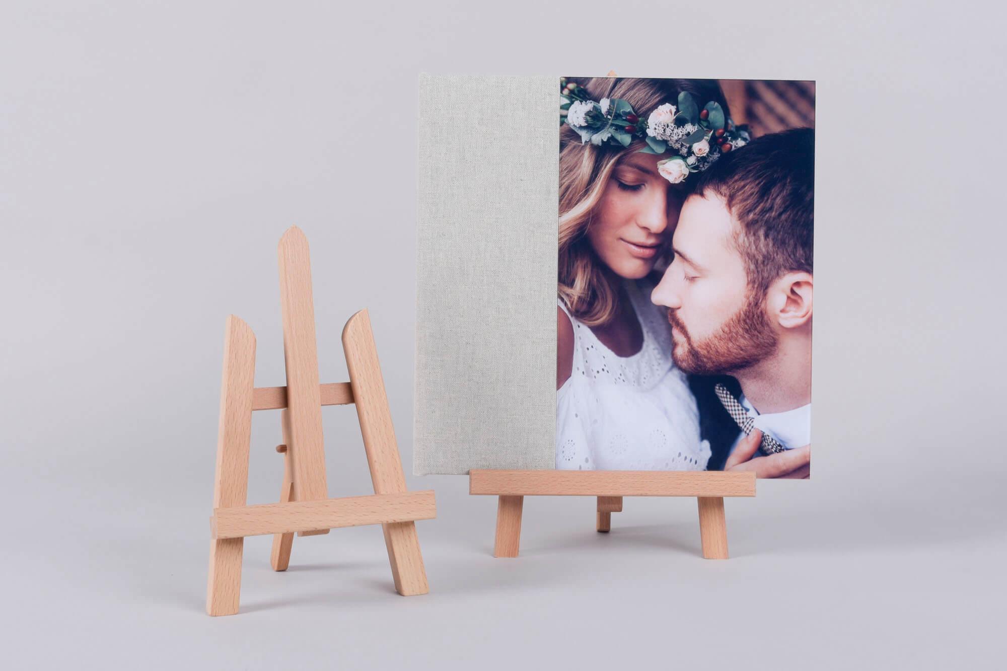 tabletop photo easel